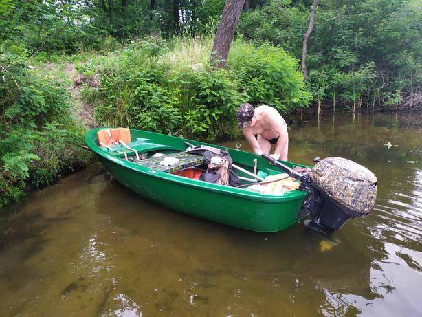 Пластиковая моторная лодка Лагуна