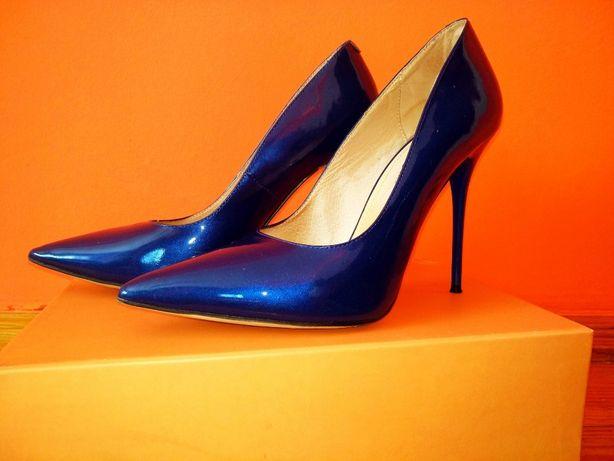 Туфлі-лодочки Estro