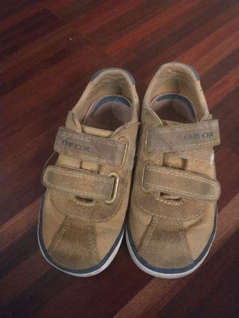 Oddam dwie pary butów
