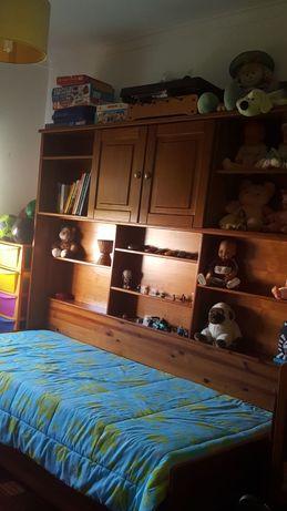 URGENTE Mobília de quarto madeira pinho mel