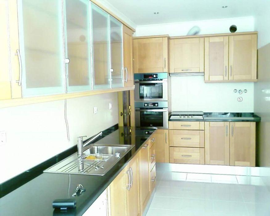 Construção e remodelação geral , cozinhas e salas de banho, etc.
