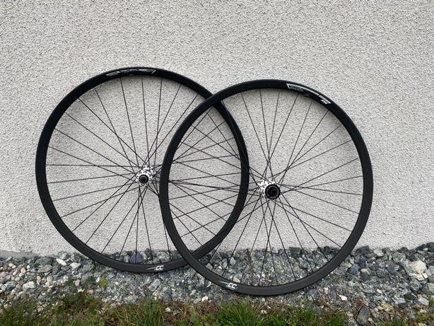 Koła MTB Carbon 29' Dt Swiss 180 Ceramic 1350g Handrafted 622x19