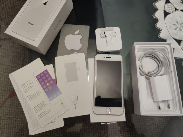 iPhone 8  silver 64 GB | Stan bdb