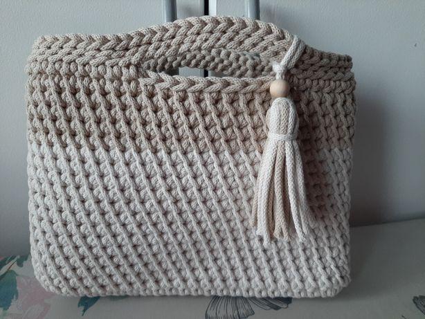 Torebka ręcznie robiona ze sznurka bawełnianego