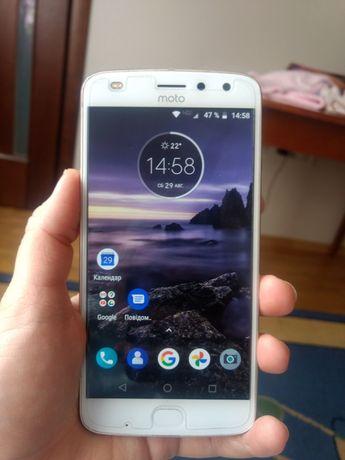 Motorola Z2 play продам