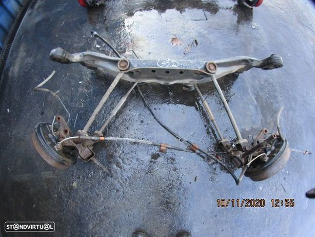 Charriot CHA552 TOYOTA / AVENSIS / 1998 / 2.0D / Tras / Cubos Completo /