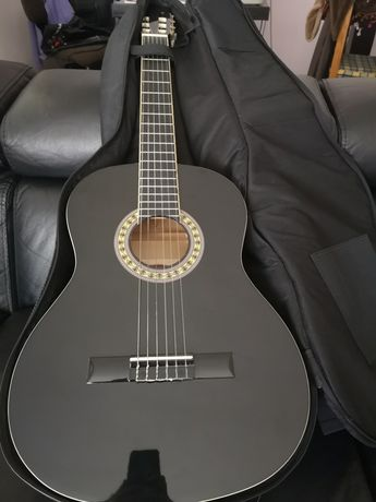 Guitarra clássica Stagg preta