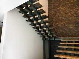Лестницы, перила, антресольные конструкции любой сложности.