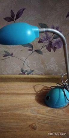 Продам настольну лампу