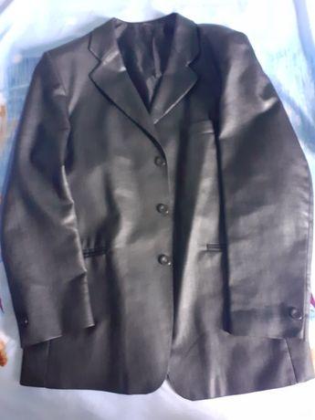 Продам мужской кожаный  пиджак!
