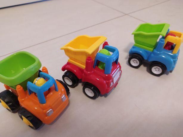 Trzy autka wywrotki