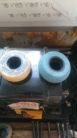 Продам комплект агрессивных агресивних колес для роликов