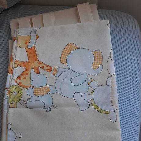Dois cortinados quarto infantil, desenhos de animais