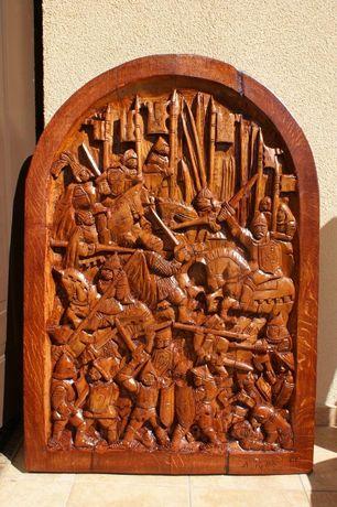 Płaskorzeźba w drewnie