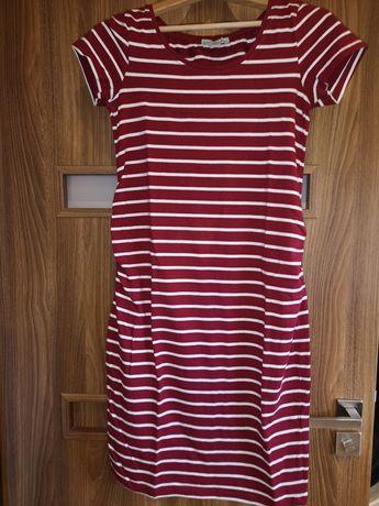 Sukienka, bluzki i getry.