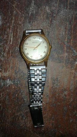 Stary zegarek pozłacany