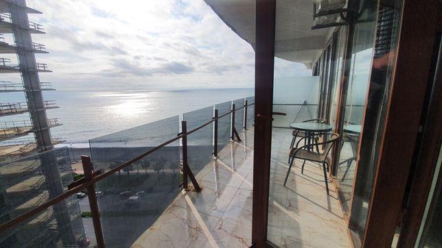 Квартира в новострое в Батуми на первой линии с видом на закат