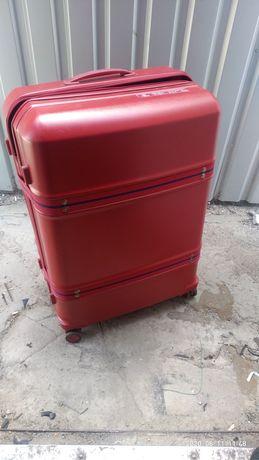 Ремонт чемоданов.