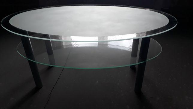 Stolik szklany z metalowymi nogami