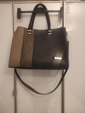 Czarna pojemna duża torba