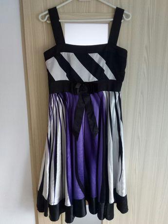 Sukienka rozkloszowana 38