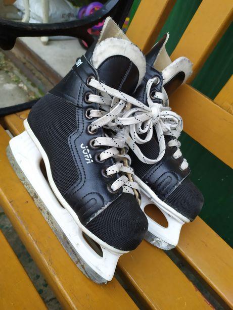 Sprzedam łyżwy hokejowe roz 33