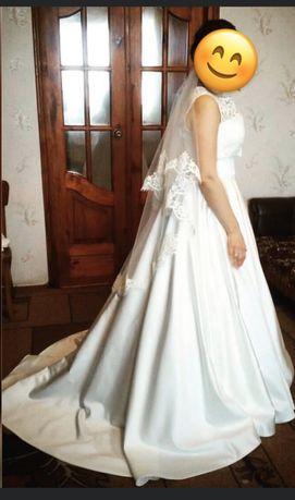 Свадебное платье-трансформер от Vasilkov кремовое со шлейфом