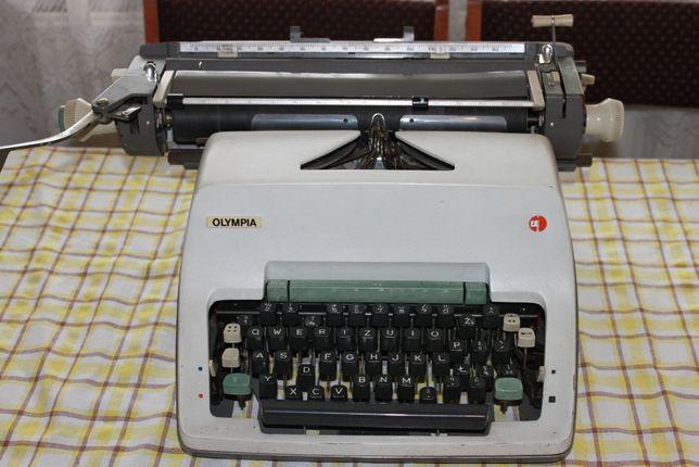 """Maszyna do pisania """"Olympia"""""""