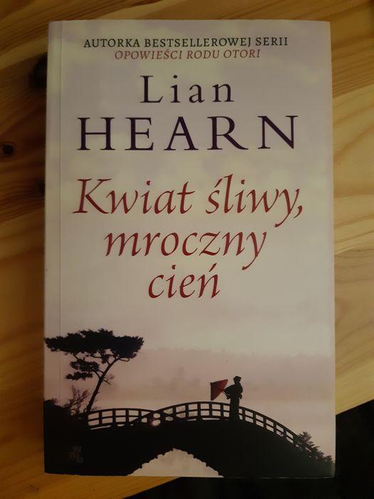 Książka Lian Hearn Kwiat śliwy, mroczny cień Poznań - image 1