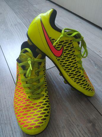 Korki Nike rozmiar 36,5
