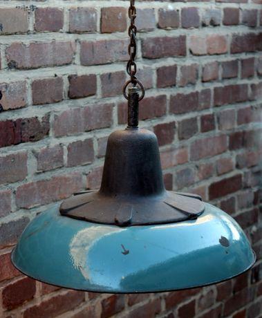 Stara przemysłowa lampa loftowa