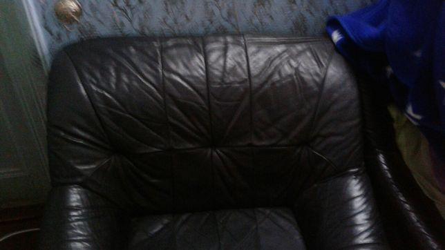 Продаю  кресло  кожанное