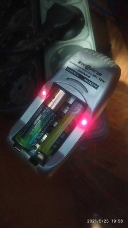 Зарядка для батареек  АА, ААА на 2 секции