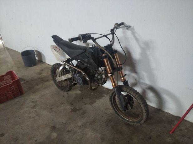Vendo troco pitbike 140 cc