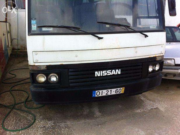 AUTOCARRO, mini bus NISSAN CABSTAR H40 de 22 Lugares