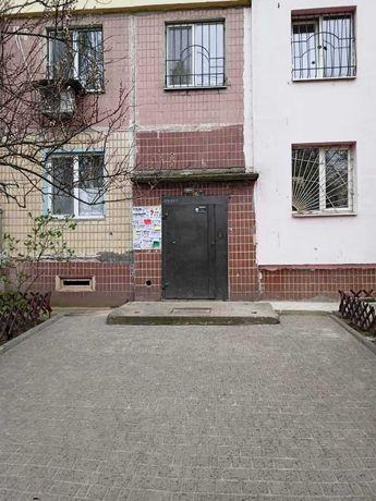 Продам 3-ком. квартиру на ж/м Левобережный, Богомаза, Донецкое шоссе.