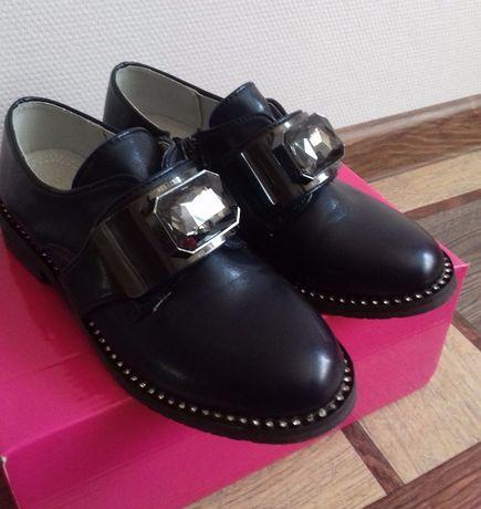 Туфли, полуботинки осень-весна на девочку.