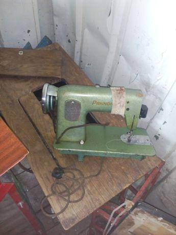 Електрическая швейная машинка Panonnia