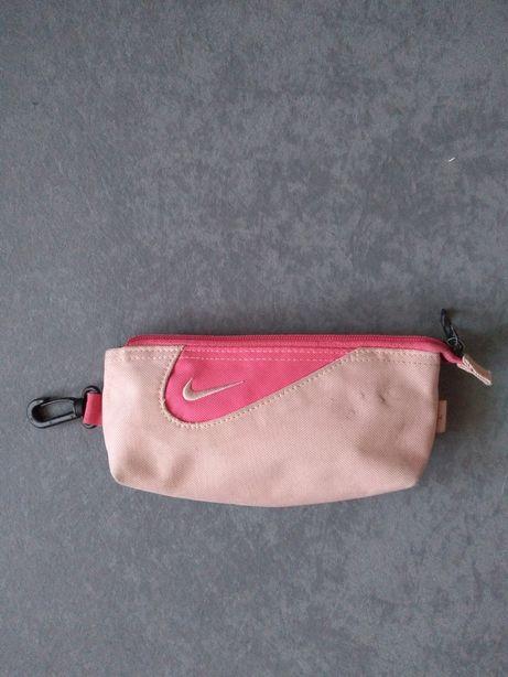 Piórnik szkolny saszetka różówy Nike
