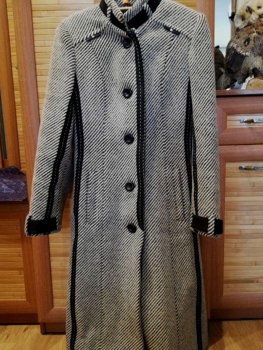 Пальто в хорошем состоянии размер 40 - 42 Кривой Рог - изображение 1
