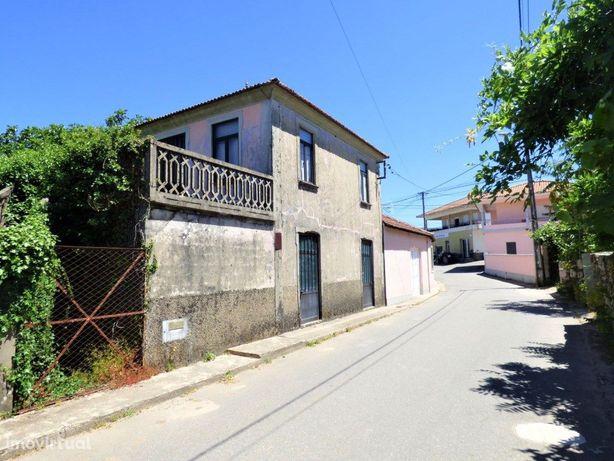 Casa antiga para restaurar à venda em Pias | Monção