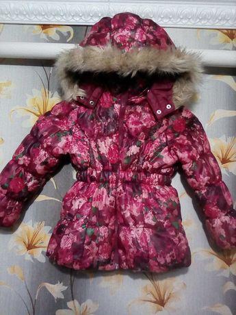 Куртка. Курточка H&M на девочку 3года (до 104см) в отличном состоянии