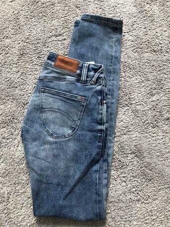Spodnie jeansy Hilfiger 25/32 rurki