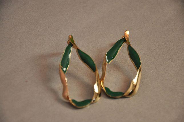 Серьги ассиметричные модные актуальные зеленые сережки крупные вечер