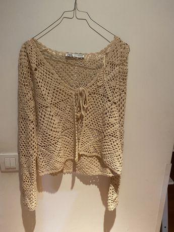 Casaco curto crochet Zara