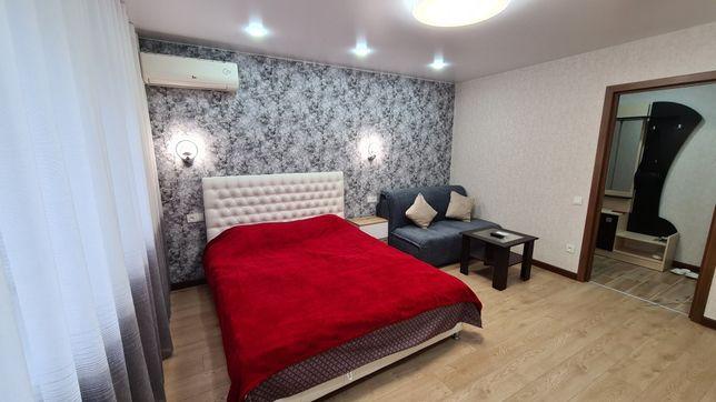 СВОБОДНАЯ 1, 2 комнатная  VIP квартира НОВАЯ