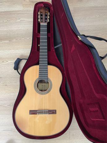 Guitarra Classica Alhambra Linea Profissional (não tenho mbway)