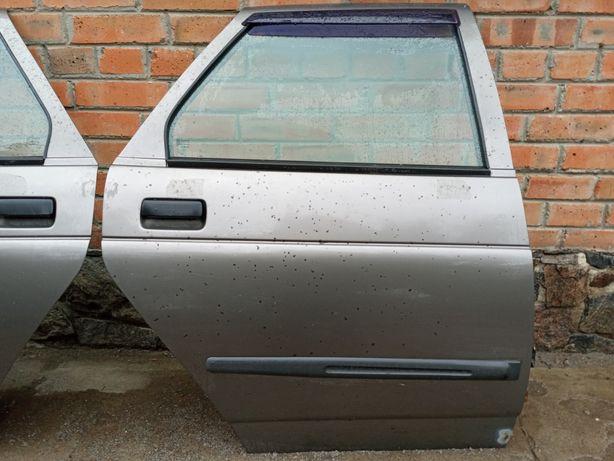 Продам задние двери ваз2112