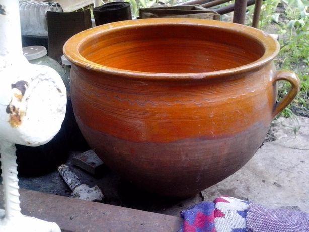 Продам глиняный горшок на 8 литров