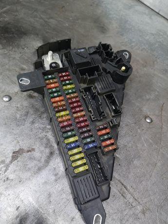 BMW E60 520d skrzynka bezpieczników